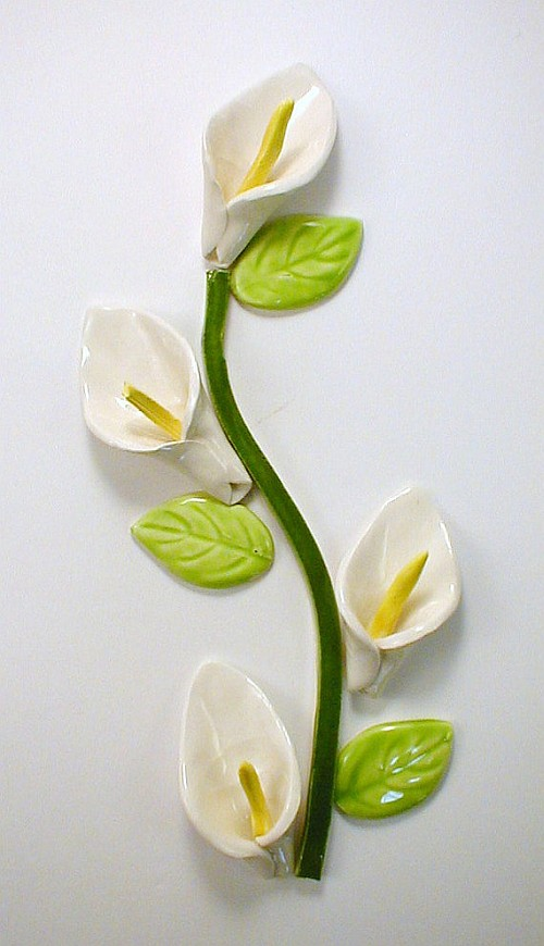 4 Lilies with seperate stem and leaves