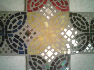 Glass tile mosaic cross