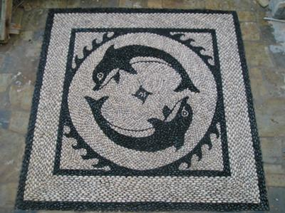 Natural pebbles dauphin mosaic